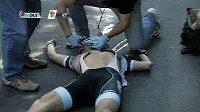 Záchranáři se marně pokoušejí oživit Woutera Weylandta.