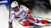 Lyžař Ondřej Bank během obřího slalomu v Alta Badia.