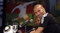 Zinedine Zidane se pustil do francouzských reprezentantů.