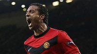 Záložník Manchesteru United Nani.