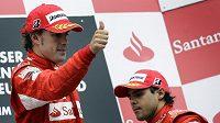 Felipe Massa (vpravo) a Fernando Alonso po GP Německa