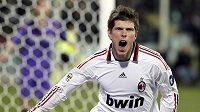 Nizozemec Huntelaar se raduje z vyrovnávacího gólu AC Milán