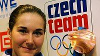 Lyžařka Šárka Záhrobská přiletěla poslední únorový den na pražské letiště Ruzyně s bronzovou medailí ze ZOH v Kanadě.