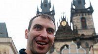 Hokejista Bostonu Zdeno Chára na Staroměstském náměstí
