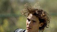 Španělský tenista Rafael Nadal začal opět naplno trénovat.