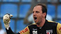 Brankář SAo Paula Rogerio Ceni slaví svůj stý gól.