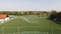 Umělý trávník na hřišti FC Újezd