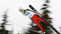 Český skokan na lyžích Jakub Janda během kvalifikace na středním můstku na OH ve Vancouveru