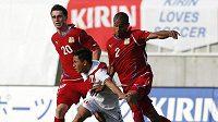 Kamil Vacek (vlevo) a Theodor Gebre Selassie během zápasu s Peru.