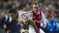 Christian Eriksen z Ajaxu Amsterodam (vpravo) v utkání proti Dinamu Záhřeb.
