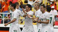 Fotbalisté Alžírska se radují na mistrovství Afriky z postupu.