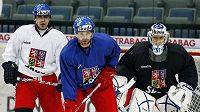 Zleva Rolinek, Klepiš, a Štěpánek na tréninku hokejové reprezentace