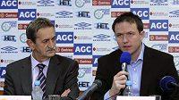 Trenér FK Teplice Jiří Plíšek (vpravo) a předseda představenstva klubu Pavel Šedlbauer na středeční tiskové konferenci
