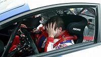 Smutný francozský pilot Sébastien Loeb po prohře v Sosnové.