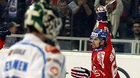 Tomáš Rolinek se raduje z branky, kterou vstřelil Finsku v úvodním utkání Českých hokejových her.