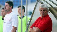 Kouč Slovanu Liberec Ladislav Škorpil (vpravo) letos zatím příliš důvodů k radosti nemá.
