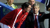 Kouč Arsenalu Arséne Wenger s Tomášem Rosickým i nadále počítá.