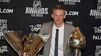 Corey Perry a jeho ocenění - Hart Trophy a Maurice Richard Trophy