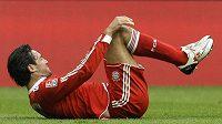 Luca Toni v dresu Bayernu Mnichov v utkání proti Schalke