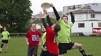 Ultimate frisbee můžou hrát i neslyšící, není potřeba žádných velkých úprav a změn