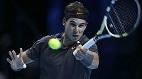 Rafael Nadal se na úvod s Mardy Fishem dost nadřel.