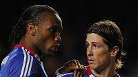 Fernando Torres po boku spoluhráče Didiera Drogby.