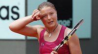 Ruská tenistka Dinara Safinová během svého zápasu na French Open