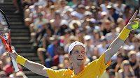 Tomáš Berdych se raduje z postupu do čtvrtfinále Australian Open.
