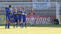 Fotbalisté Olomouce si evropské poháry nezahrají. UEFA jim vystavila stopku.