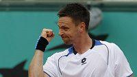 Robin Söderling oslavuje výhru na French Open