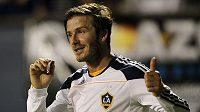 David Beckham povede Los Angeles s kapitánskou páskou.