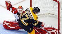 Brankář Floridy Tomáš Vokoun vychytal v NHL proti Bostonu další čisté konto.