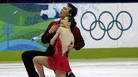 Čínští krasobruslaři Süe Šen, Čao Chung-po během olympijského závodu ve Vancouveru