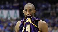 Nešťastná megastar Lakers Kobe Bryant po prohře s Dallasem.