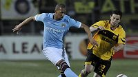 Jerome Boateng (vlevo) v dresu City.