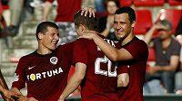 Sparťani Pamič, Kucka a Kladrubský se radují z gólu. Podobnou radost by chtěli zažívat i dnes v Edenu.