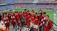Mladí fotbalisté na San Siru.