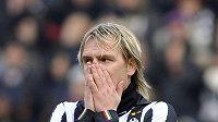 Juventus ztratil veení proti nováčkovi z Ceseny, který neproměnil obrovskou šanci.