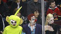 "Trochu ""jiní"" fanoušci na hokeji v Calgary"