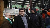"""Boss """"střížkovských"""" Bohemians Karel Kapr se pod hlavní tribunou vršovického stadionu musel cítit jako ryba na suchu."""