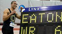 Americký atlet Ashton Eaton opět překonal světové maximum v sedmiboji.