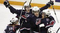 Radost hokejistů USA do 20 let z postupu do finále MS