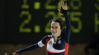 Česká rychlobruslařka Martina Sáblíková se raduje z vítězství ve Světovém poháru v Berlíně.