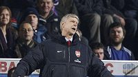 Výmluvné gesto kouče Arsenalu Arséne Wengera.