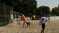 I v letošním roce se mohou nejen týmy startující v Golden Tour poměřit v plážové kopané