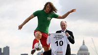 Nejvýkonnějšího voskového fotbalistu představil trenér Sven Göran Eriksson.