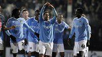 Fotbalisté Manchesteru City se radují z branky - archivní foto.