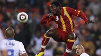 Umí snad ghanský Kwadwo Asamoah létat?