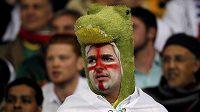 Zklamaný anglický fanoušek po remíze Albionu s Alžírskem.