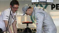 Vrátí se Michael Schumacher po úpravách monopostů stáje Mercedes GP na pozice, kde by slavného Němce rádi viděli jeho početní fanoušci?